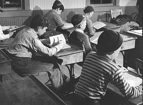 Hebrew school, Colchester, Connecticut, ca 1940. (Photograph by Jack Delano, Courtesy of Library of Congress Prints and Photographs.)