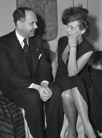 Dr. Georg Gyssling, German consul, with Leni Riefenstahl,  in Los Angeles, ca. late 1930s. (© Bettmann/Corbis.)