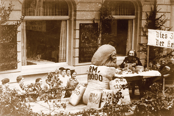 Anti-Semitic float in a parade, Altenahr, Rhineland, ca. late 1930s.  (Courtesy of  the United States Holocaust Memorial Museum.)