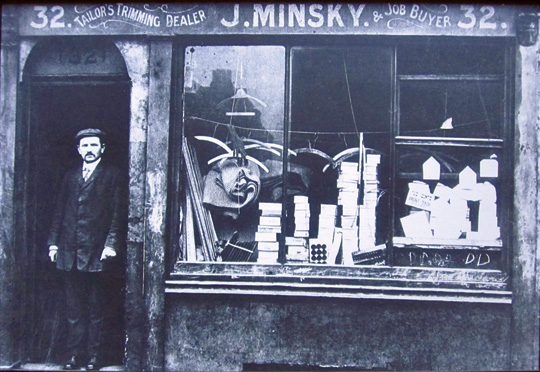 J. Minsky, tailor's trimmings, Aldgate, East End, ca. 1905. (Courtesy of Jewish East End Celebration Society.)