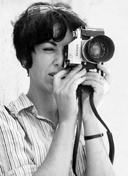 Rafael undercover as Canadian news photographer Patricia Roxenburg. (Courtesy of Keshet Publishing Company.)