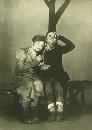 Zuskin as Senderl and Mikhoels as Benjamin in Travels of Benjamin the Third.