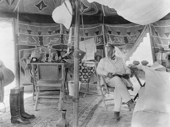 Baron Max von Oppenheim in his traveling tent, Tel Halaf, 1929. (© Max Freiherr von Oppenheim- Stiftung/Hausarchiv Sal. Oppenheim jr. & Cie., Cologne)