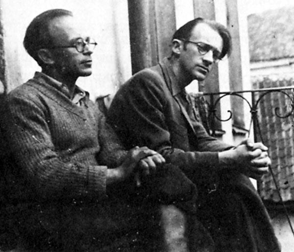 Photo of Shmerke Kaczerginski and Abraham Sutzkever on the porch of their apartment