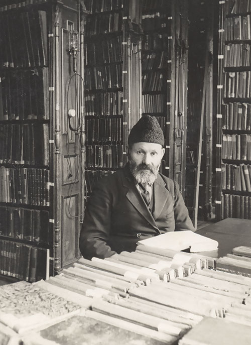 Khaykl Lunski, chief librarian of the Strashun Library until its destruction by the Nazis during World War II, Vilna, ca. 1930s. (Courtesy of the Archives of the YIVO Institute for Jewish Research,  New York.)